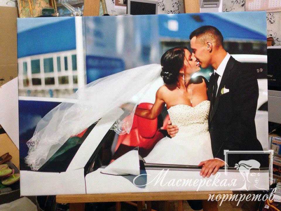 Свадебное фото на холсте с галлерейной натяжкой.